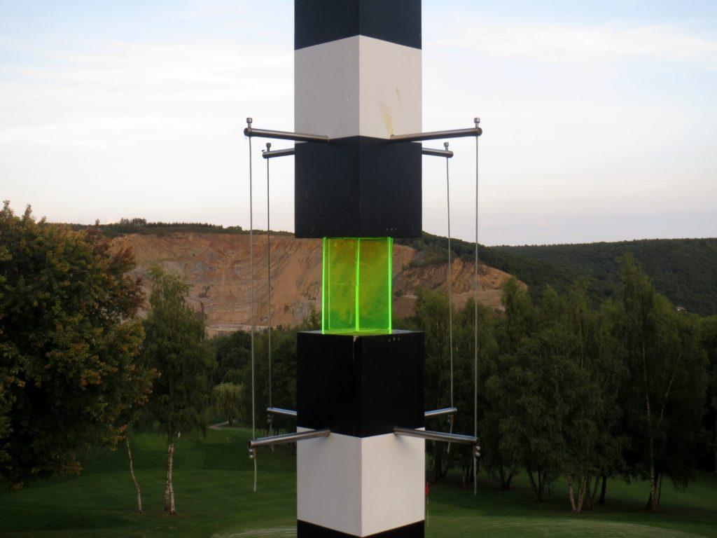 Pierre Courtois - Piquetage, tracé dans le paysage n°3 - Sculptures in situ, Green Art - Golf de Rougemont, Profondeville (BE) - 2017