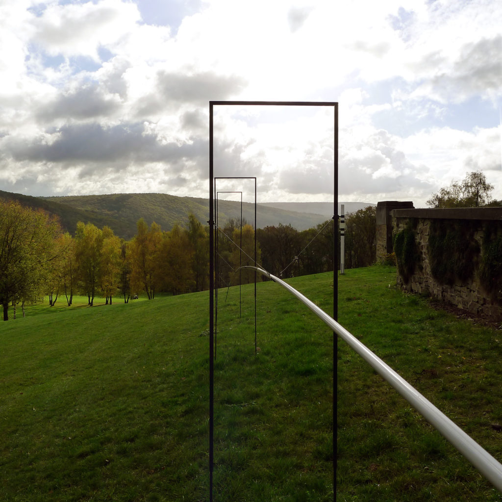 Pierre Courtois. Fore, Balistique, parabole 3 – Sculptures in situ - Green Art Rougemont - Golf de Rougemont, Profondeville (BE) - 2017