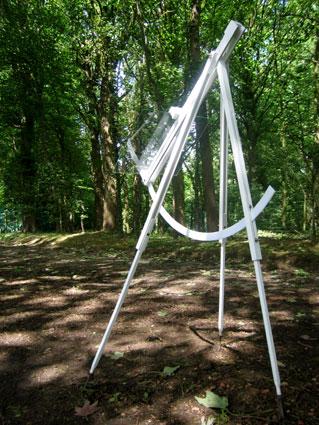 Pierre Courtois - Obscure clarté – installations in situ dans le parc du Château de Jehay (BE) détail - 2006